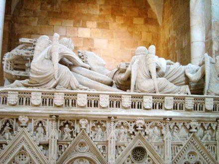 monasterio_alcobaca_sepulcro_ines_de_castro02_590