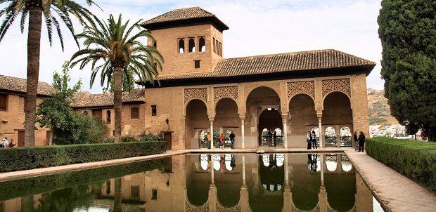 el_partal_palace_alhambra_spain