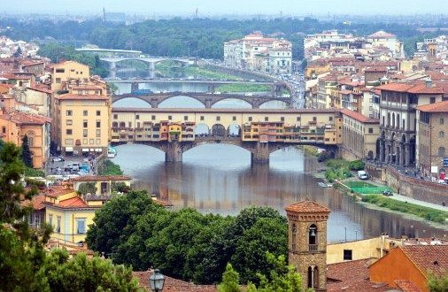 Italy, Tuscany, Florence, Arno River and Ponte Vecchio