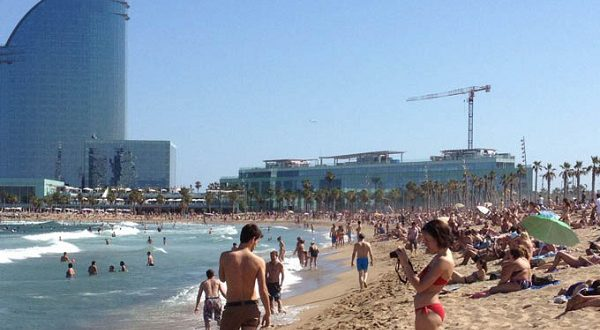 Барселонская мэрия 7 мая открывает пляжный сезон