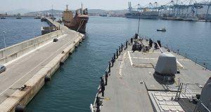 Портовые грузчики начали забастовку, которая чревата многомиллионными убытками