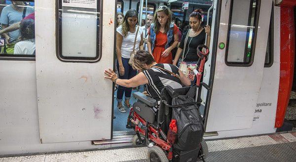 Мэрия Барселоны открыла центр, где инвалиды могут взять напрокат коляску недорого