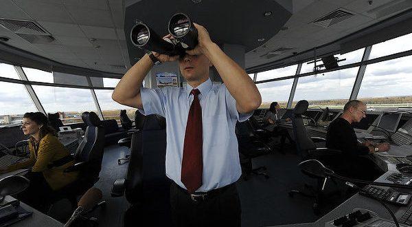 Пилоты и авиадиспетчеры просят сохранить возможность служебного общения на родном языке