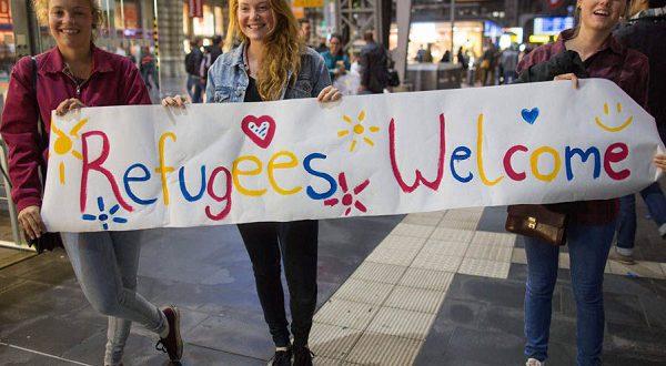 1300 испанцев предложили кров беженцам в рамках программы Refugees Welcome