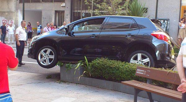 Молодые испанцы не умеют парковаться