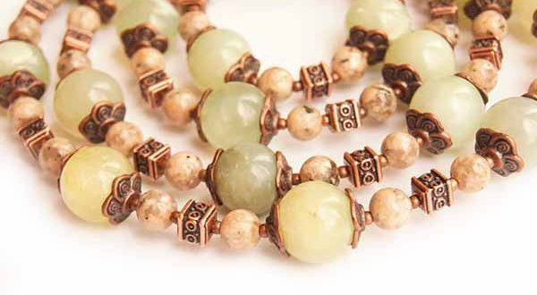 ожерелья из натуральных камней и минералов