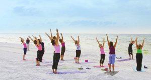 На пляжах Аликанте можно записаться на курсы физподговки
