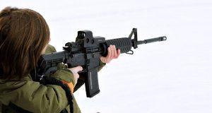 Пакистанский мальчик с винтовкой-муляжом вызвал начало антитеррористической операции