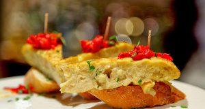 хамон и картофельная тортилья