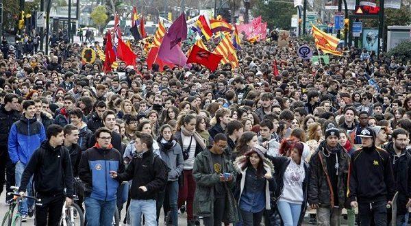 Испанцы проведут всеобщую забастовку против сокращения расходов на сферу образования