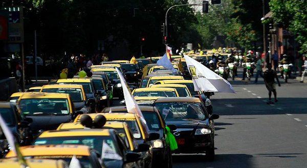 Таксисты провели забастовку в Барселоне