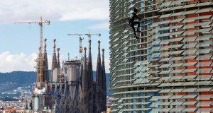 Приехавший из Франции «Человек-паук» покорил очередную «высотку» в Барселоне