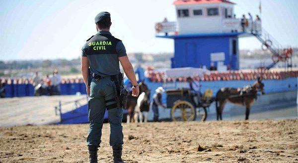 Гражданская гвардия Испании говорит отпускникам: «Не теряй голову!»