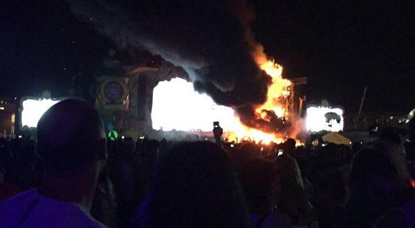 Фестиваль Tomorrowland омрачился пожаром на сцене