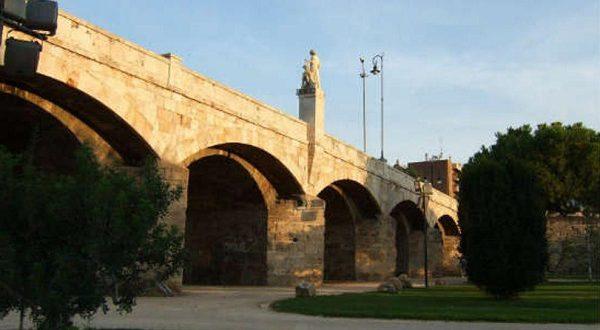 Мост Сан-Хосеп, построенный в 15 веке, станет пешеходным