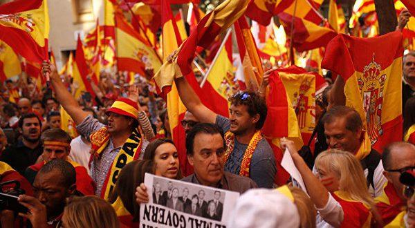 В Барселоне прошла манифестация в защиту Конституции и единства Испании