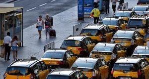 Таксисты-официалы провели очередную акцию протеста против Uber и Cabify