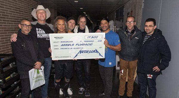 Американские рокеры помогли испанским бездомным