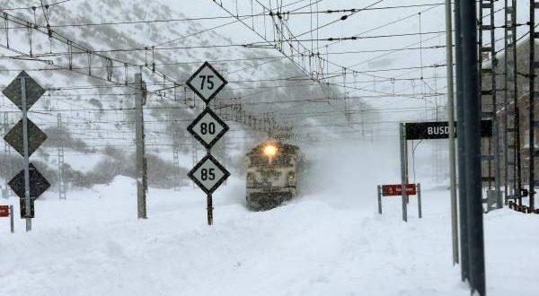 В Испании снова транспортных коллапс из-за снегопадов