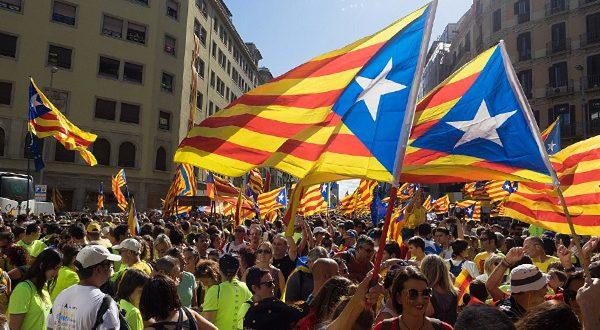 Испанская разведка обвинила Россию в причастности к событиям в Каталонии