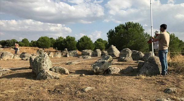 В Испанской деревне обнаружен старинный памятник, напоминающий Стоунхендж