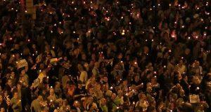 Люди в Барселоне требуют выпустить политзаключенных
