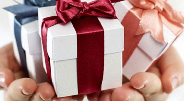 Какие подарки получают дети контрабандистов и наркоторговцев?