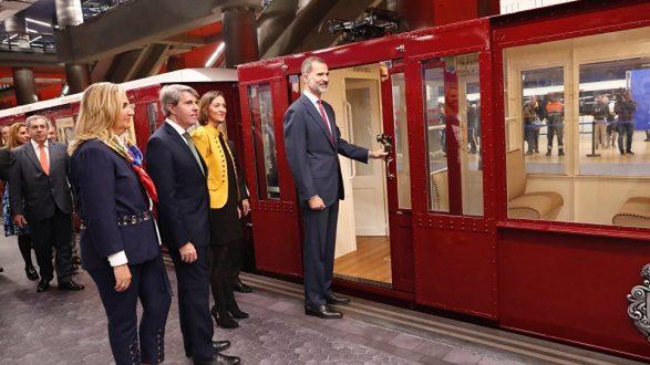 КорольФелипе VIпрокатился на метро