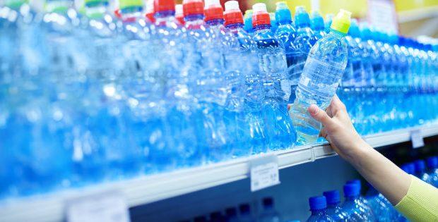 Торговая сетьSupersanoпрекратила продажи воды в пластиковой таре
