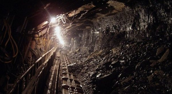 В Испании закроют все шахты и отправят их работников на пенсию досрочно.