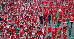 По улицам Мадрида пробежали тысячи Санта-Клаусов