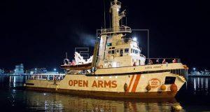 СудноOpenArmsс тремя сотнями беженцев будет принято Испанией