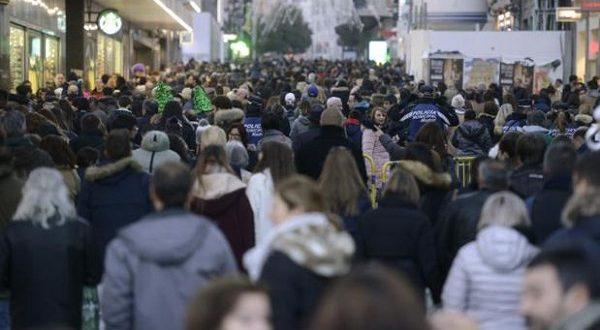 Мигранты обеспечивают прирост населения в Испании.