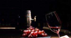 Эксперты из Томска нашли в испанском вине пестициды