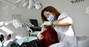 В Барселоне развивается программа муниципальной стоматологии с доступными ценами